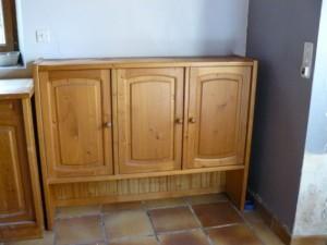 Un vaisselier en pin.....ordinaire Vaisselier-2-haut-avant-300x225
